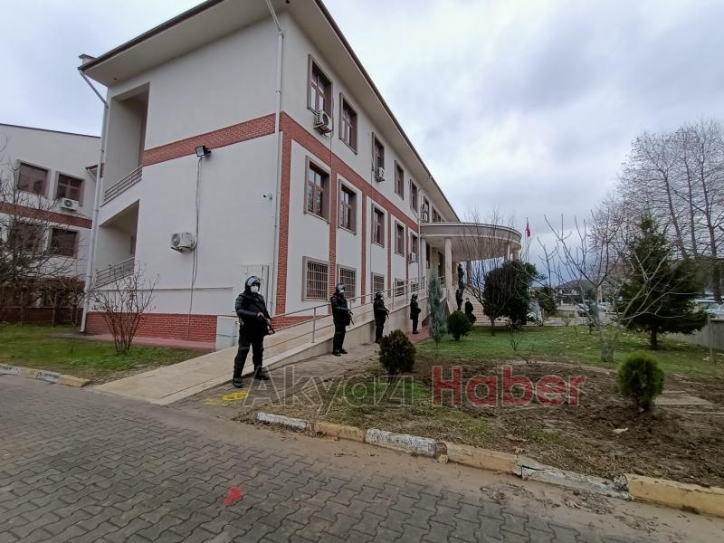 Akyazı'daki dev operasyonun şüphelileri adliyede
