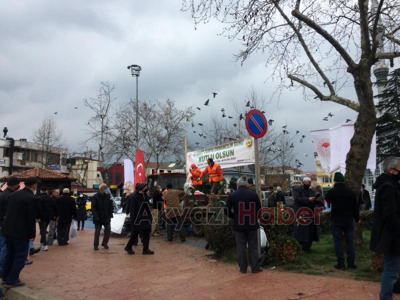 Akyazı'da vatandaşlara fidan dağıtıldı